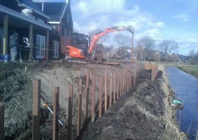 Beschoeiing plaatsen+ Grondwerk 4 woningen nieuwbouwwijk Vinkeveld te Vinkeveen